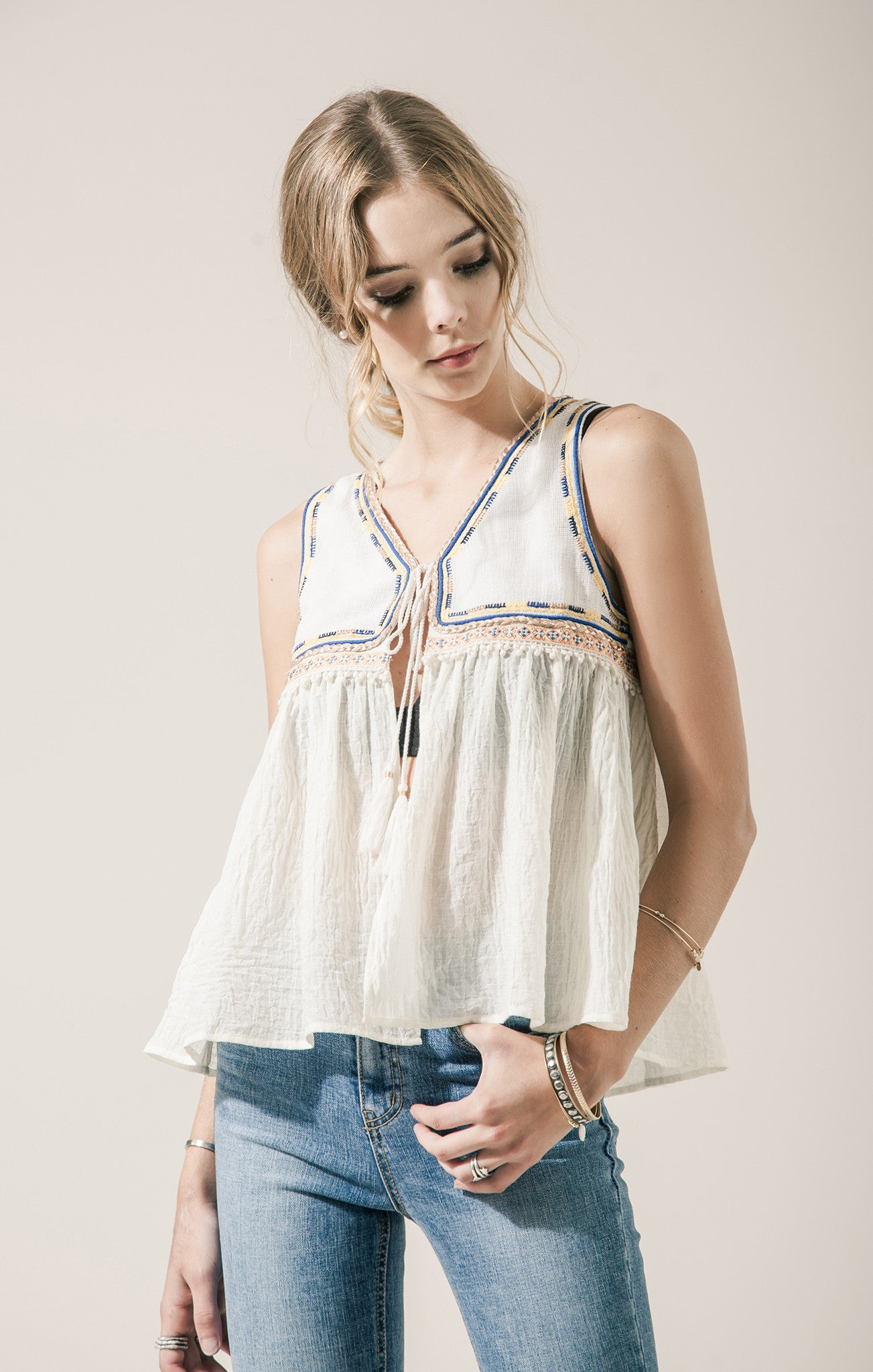Sleeveless woven top