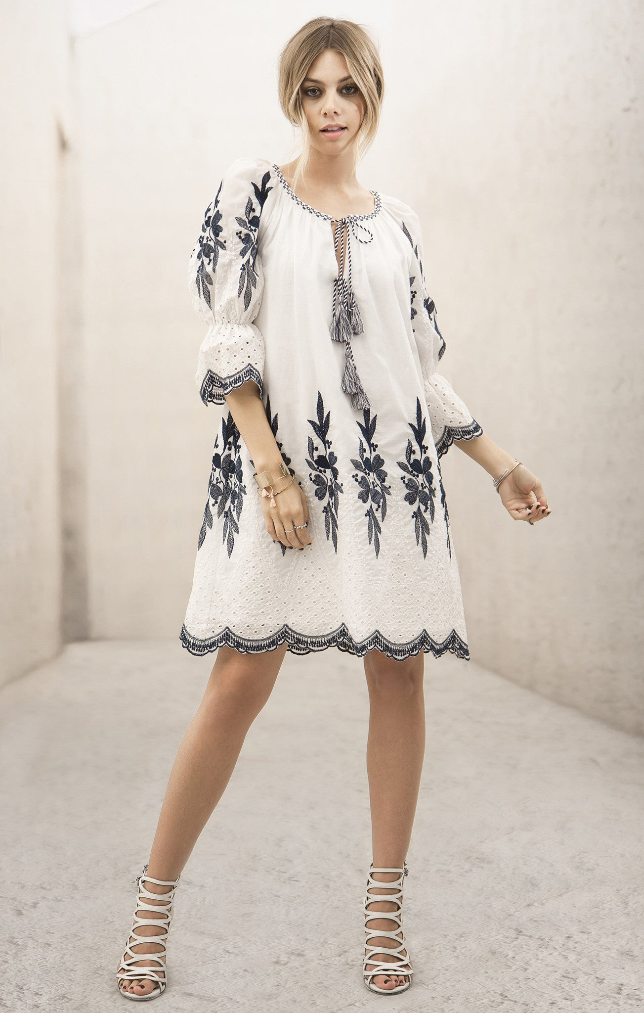 EMBROIDERED NECKLINE LACE DRESS