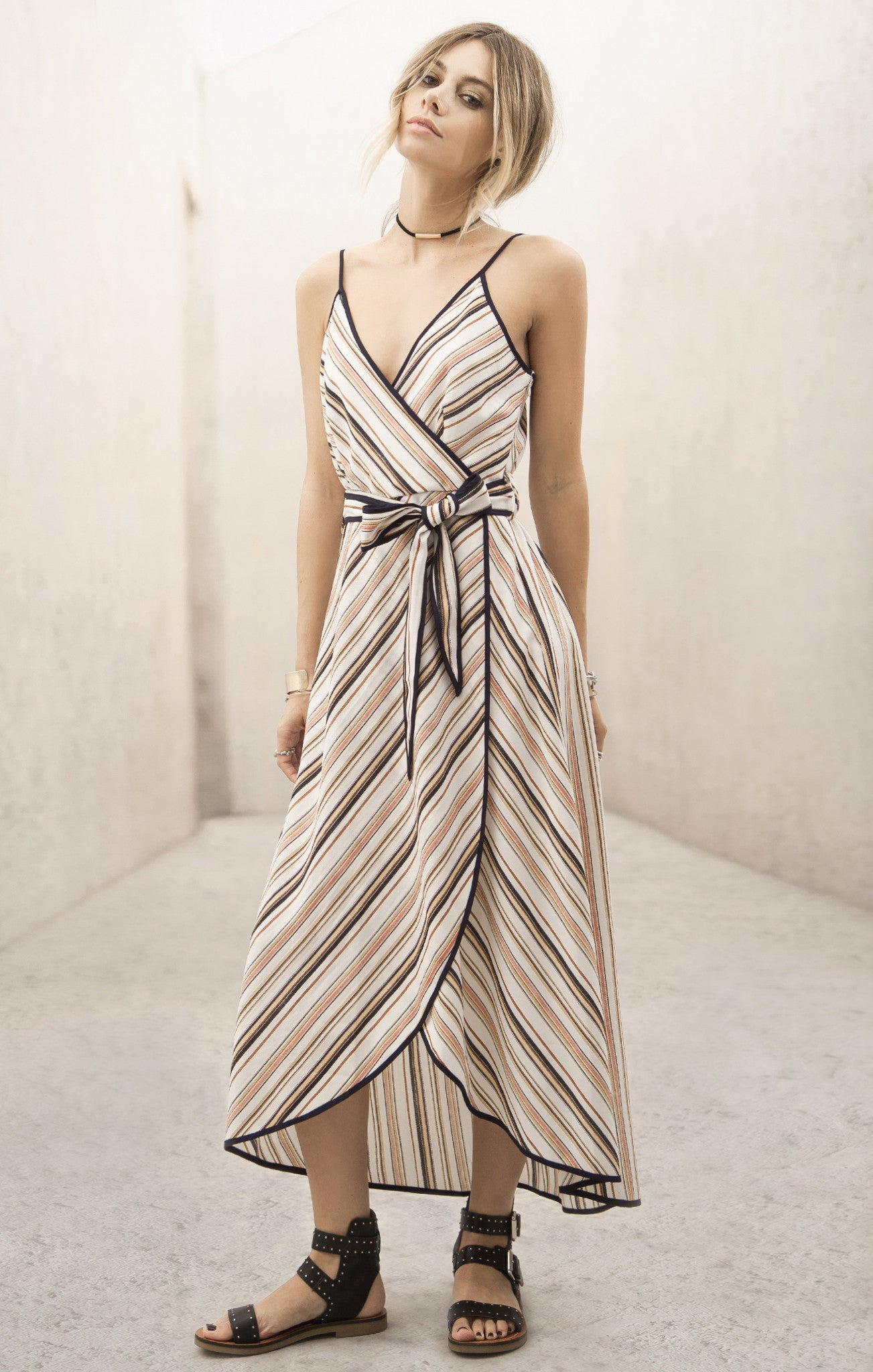 CONTRAST BINDING STRIPE DRESS