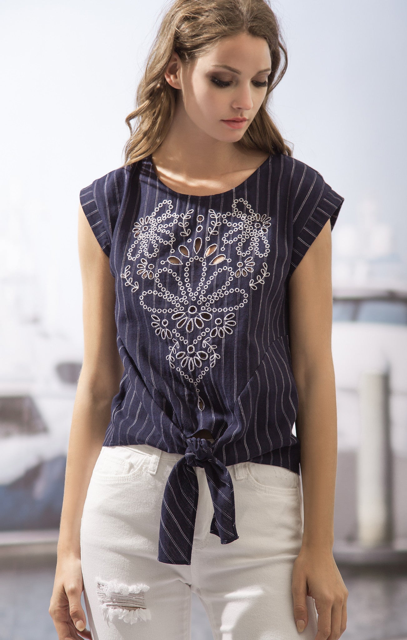 STRIPE TOP WITH FRONT KNOT