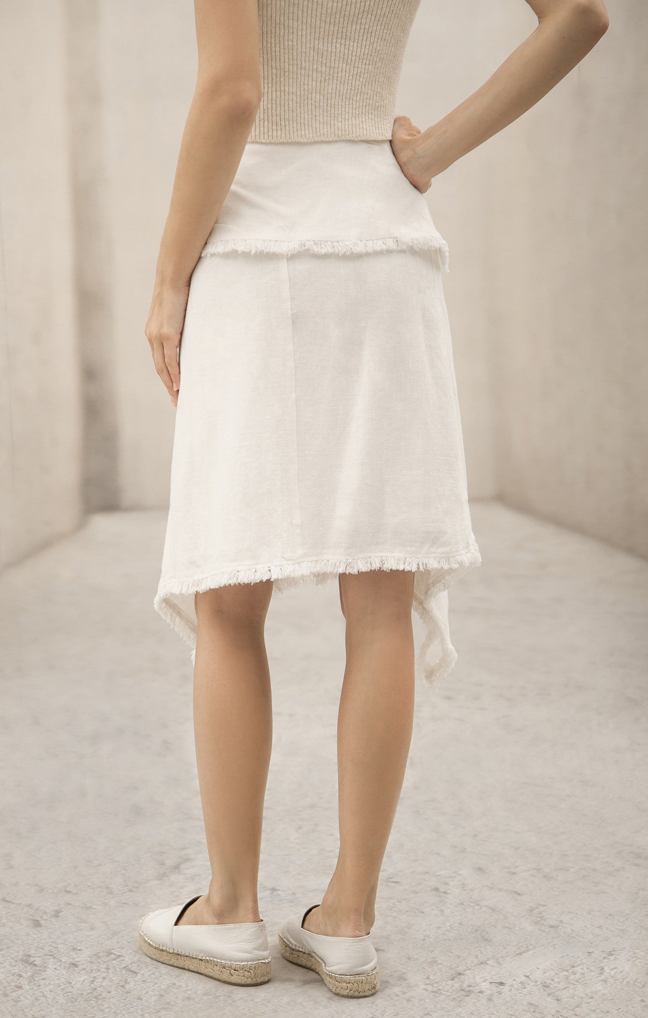 SELF FRAYED SKIRT