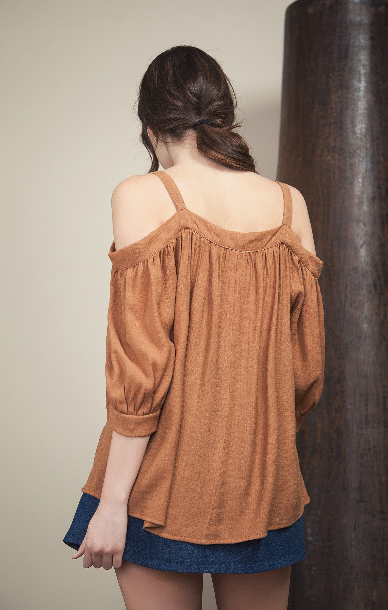 TIE FRONT OPEN SHOULDER TOP