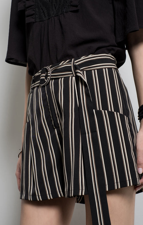 POCKET STRIPE SHORTS
