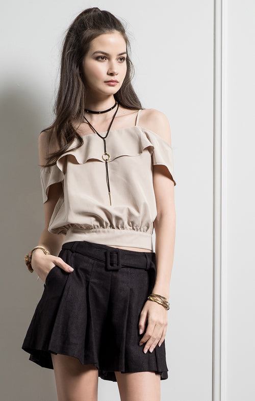OPEN SHOULDER BUTTON DETAILED TOP
