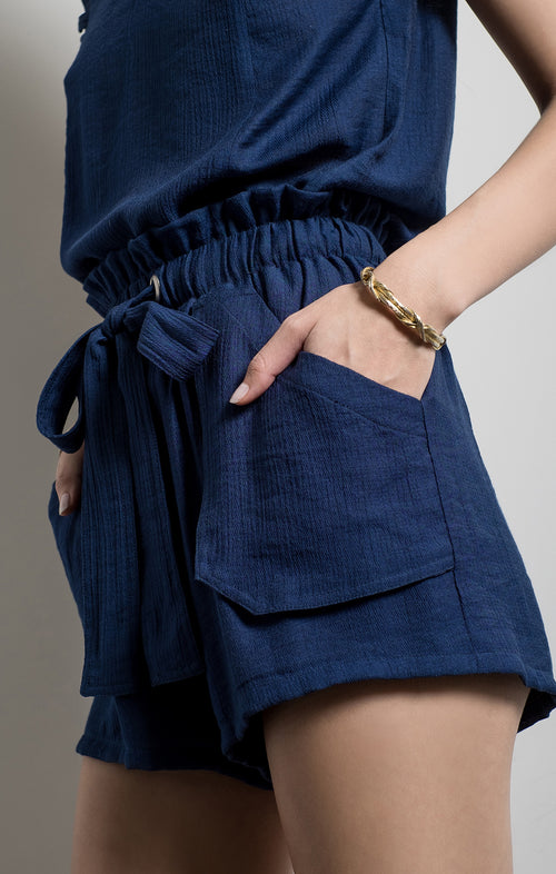 RUFFLE SHORTS WITH TIE BELT