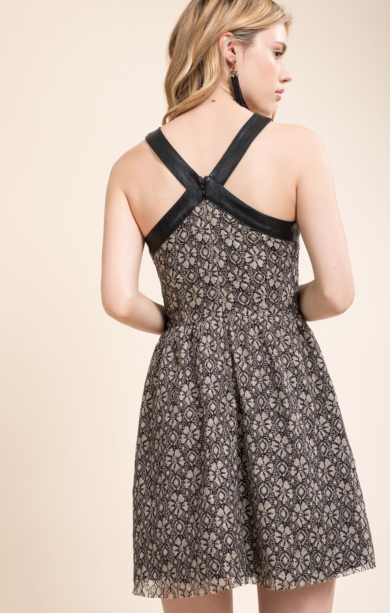 CONTRAST FABRIC DETAIL LACE DRESS