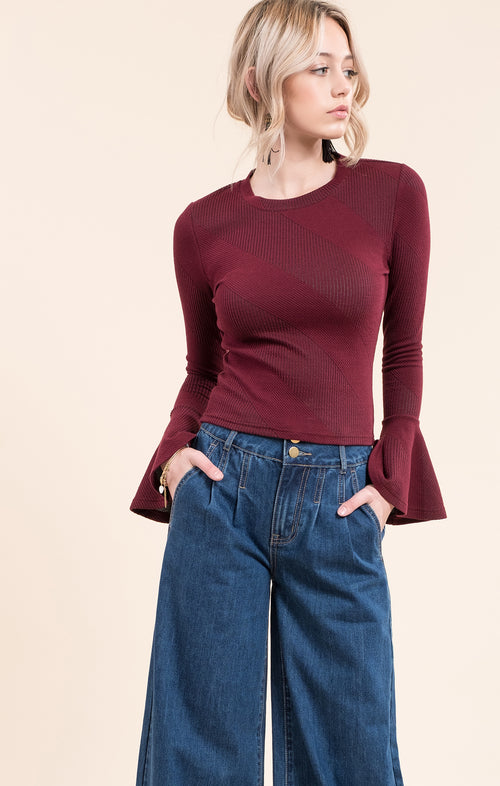 TEXTURD KNIT TOP WITH BELL SLEEVE