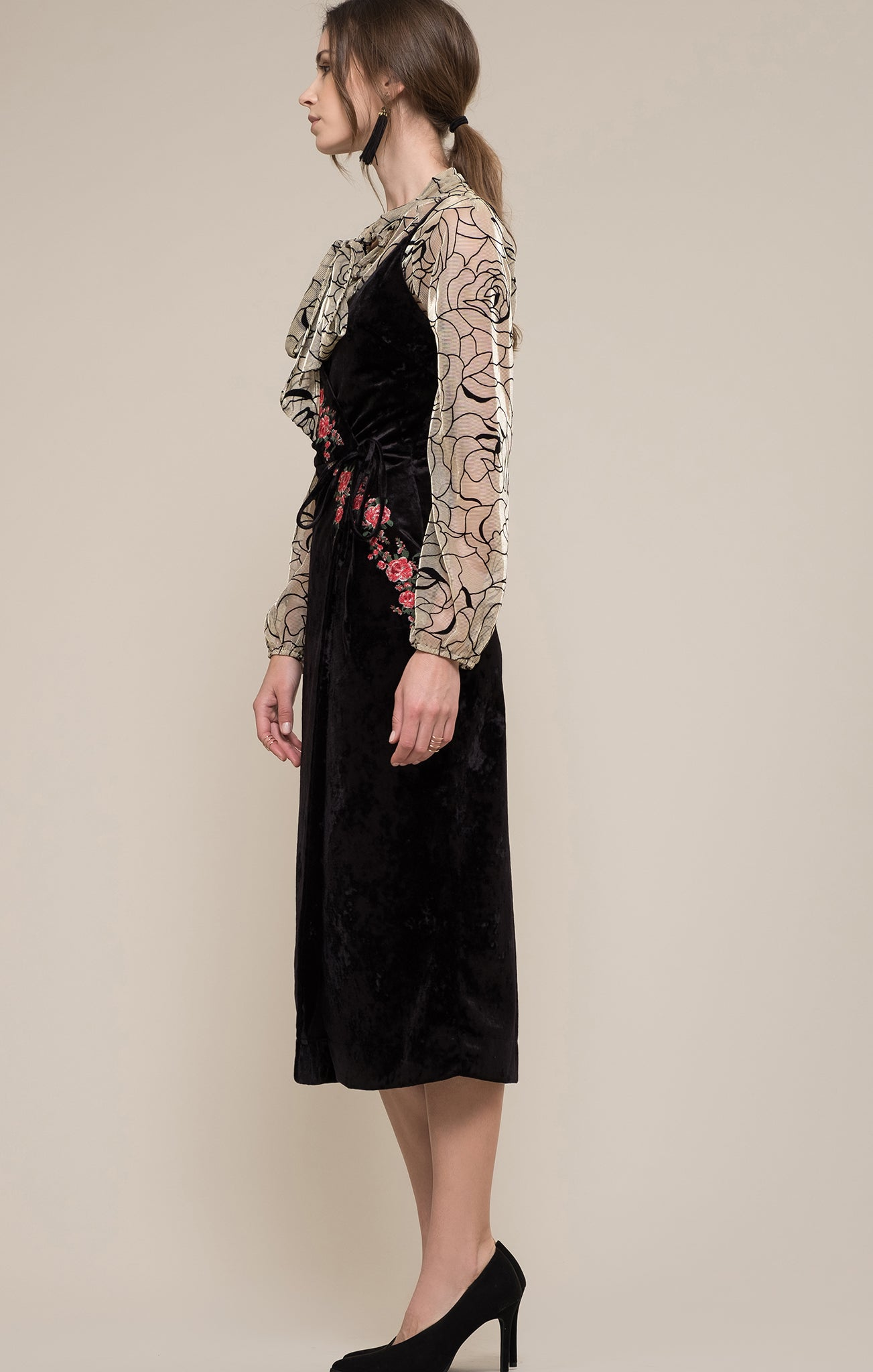 e37babf502 EMBROIDERED VELVET WRAP DRESS – Moon River
