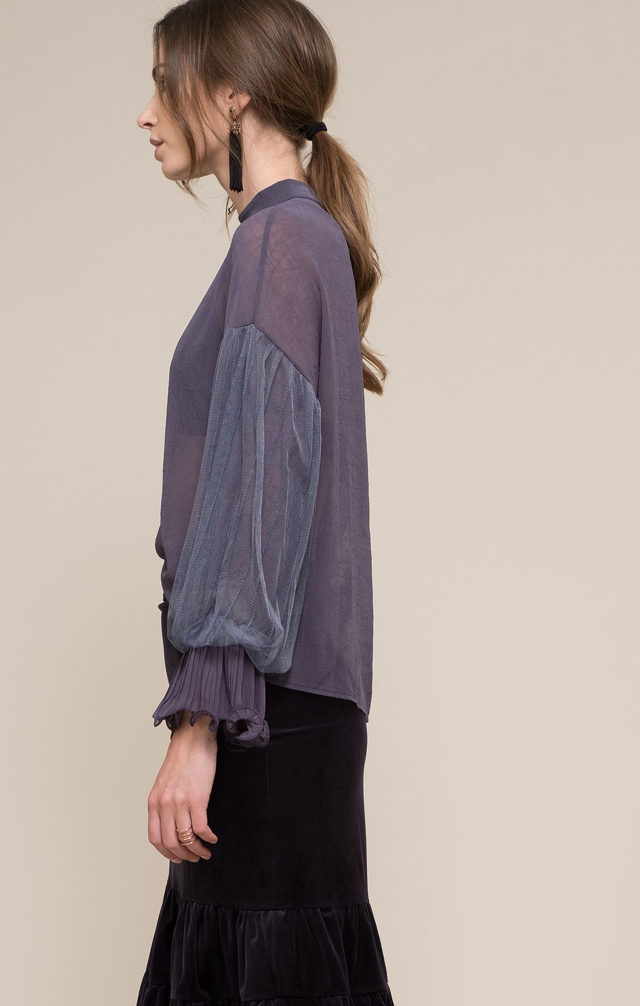 PUFF SLEEVE WOVEN TOP