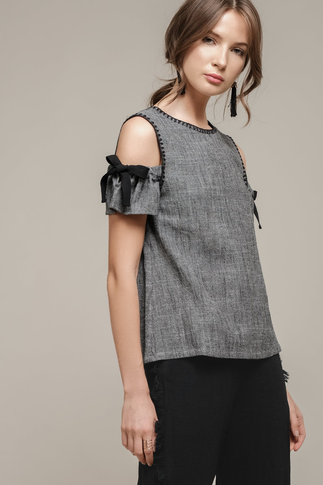 BLANKET STITCH COLD SHOULDER TOP