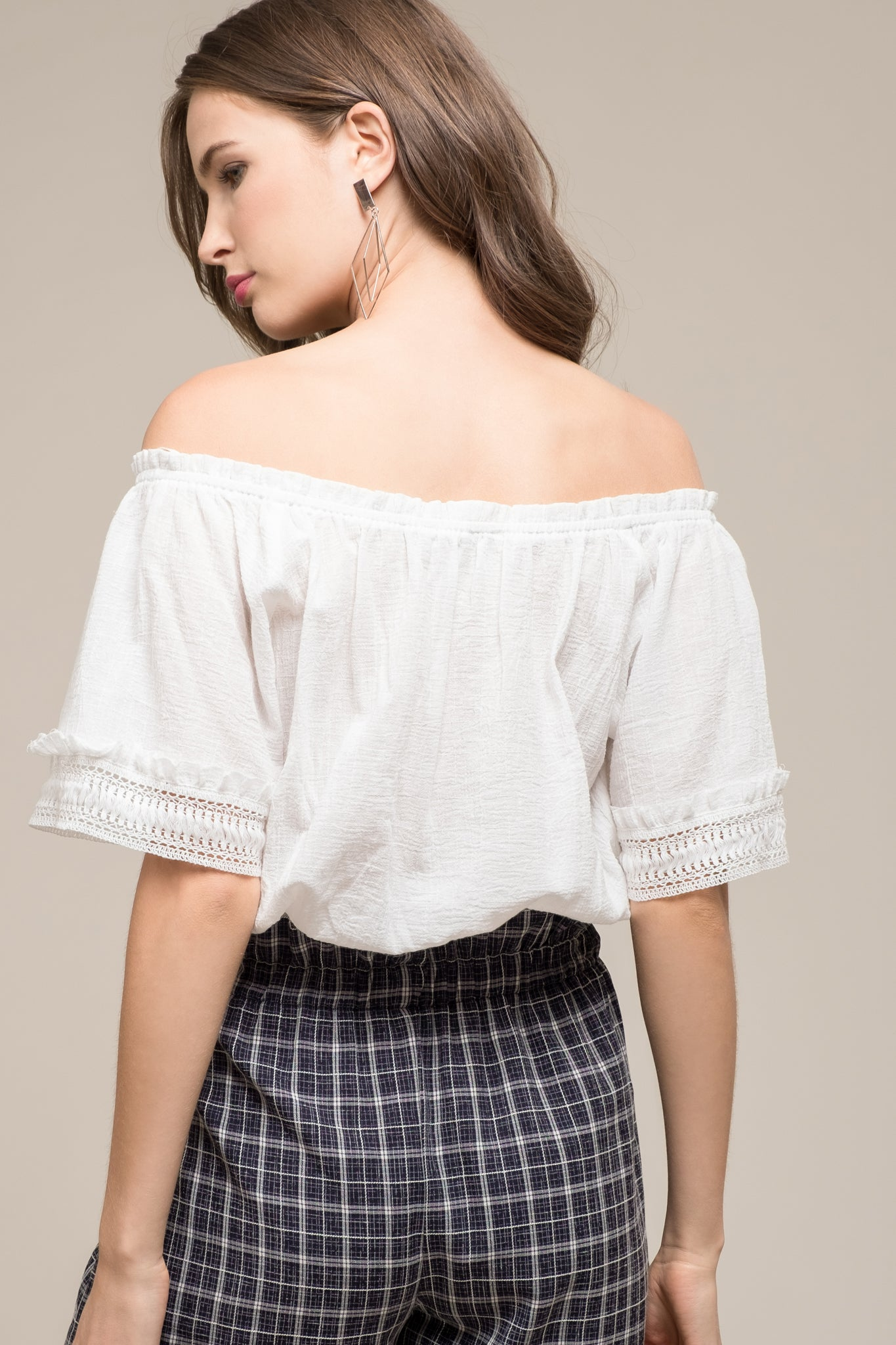 SHORT SLEEVE TOP WITH CONTRAST