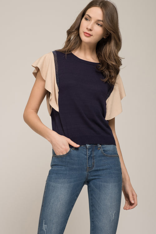WING SLEEVE KNIT TOP