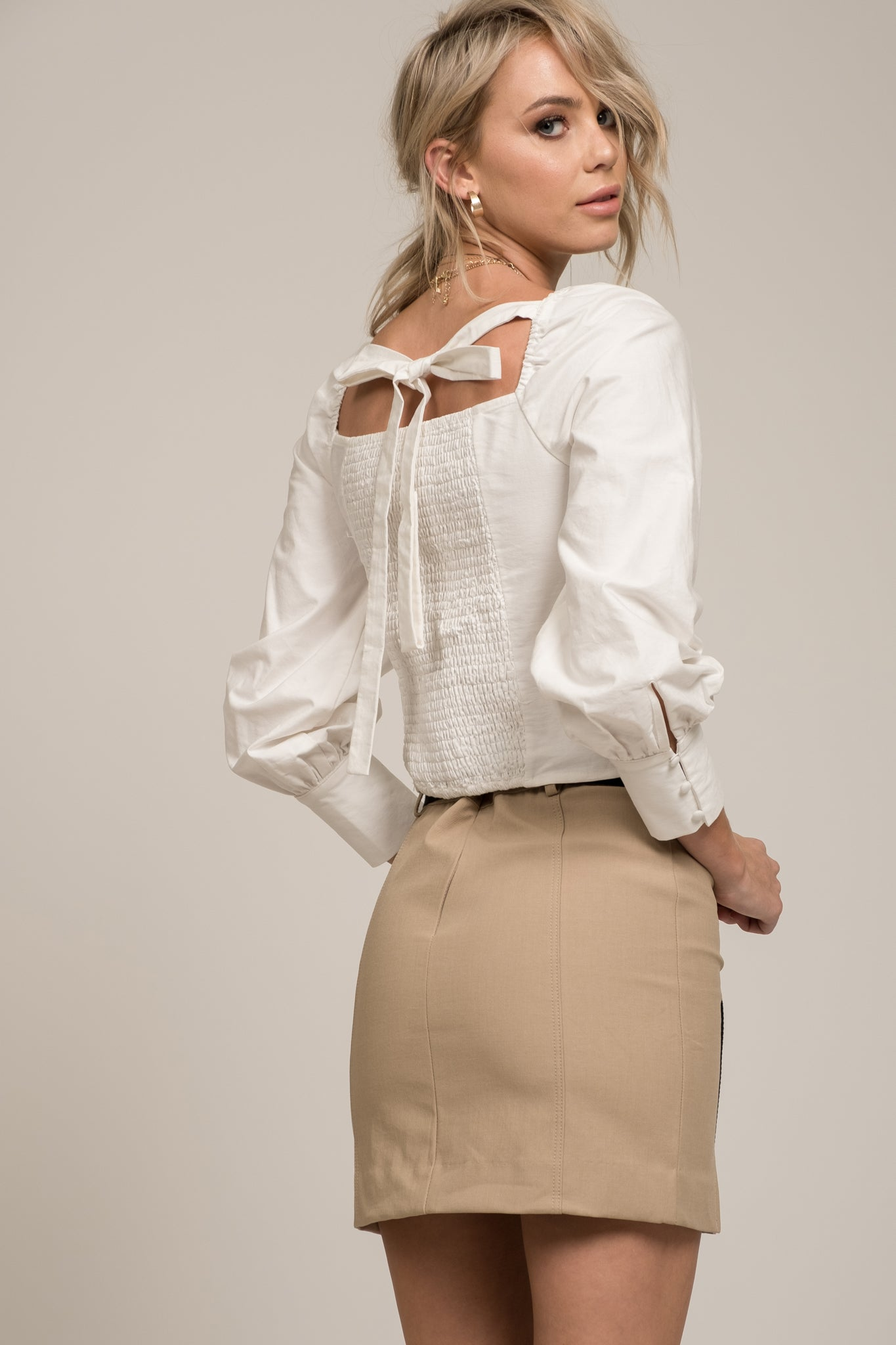 SQUARE NECK LONG SLEEVE TIE BACK TOP