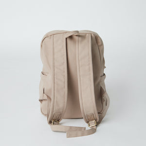 Load image into Gallery viewer, Back of a Terra Thread vegan backpack