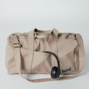 Load image into Gallery viewer, eco friendly gym bag image with outside pocket