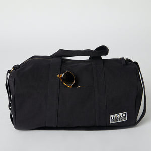 Black colored gym bags with pockets