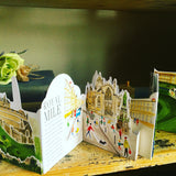 EDINBURGH: THREE DIMENSIONAL EXPANDING CITY SKYLINE POP UP BOOK