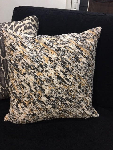 "20x20"" Black/White Velv/Gold Pillow"