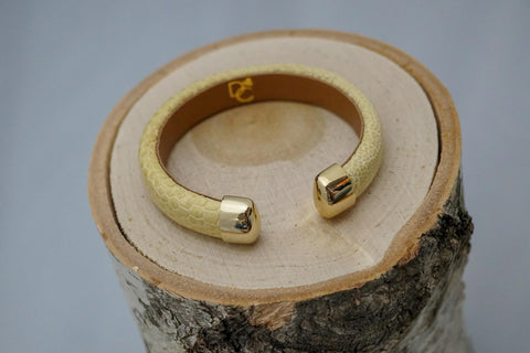 Single Cuff Bracelet without Stones- Cream