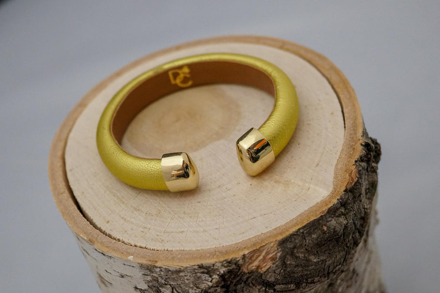 Single Cuff Bracelet without Stones- Gold