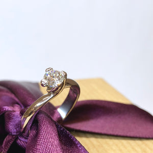 Platinum Four Claw Twist Diamond Ring