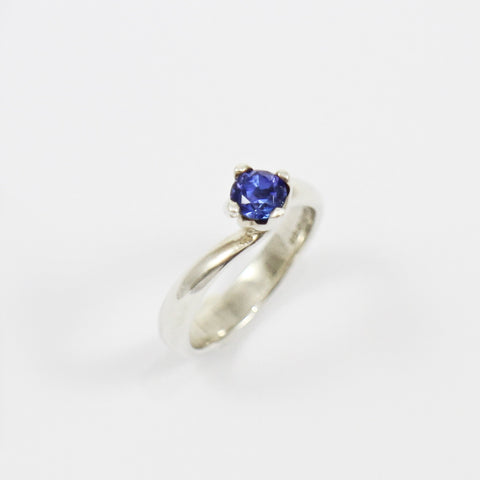 Twist Tanzanite Ring