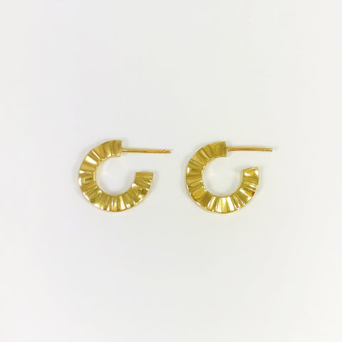 Gold Wave Hoops Small