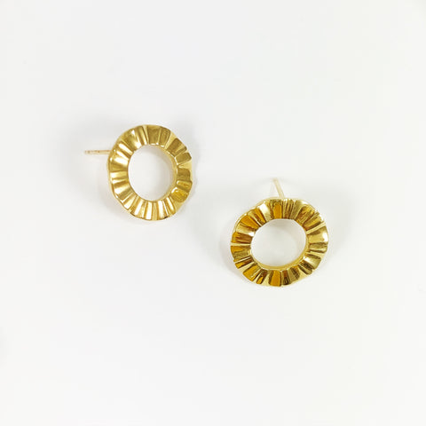Gold Front Facing Wave Studs
