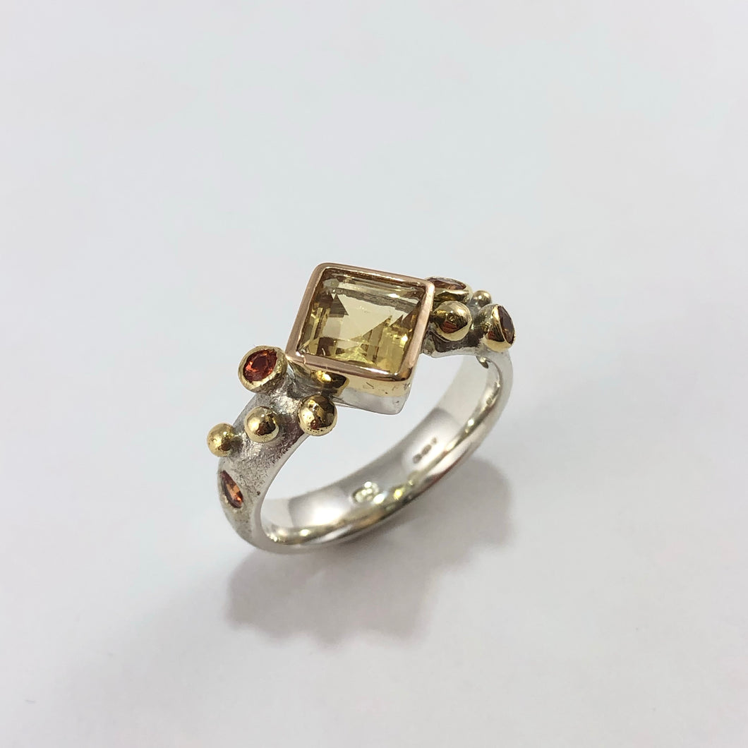 Citrine and Yellow Sapphires Bubble Court Ring