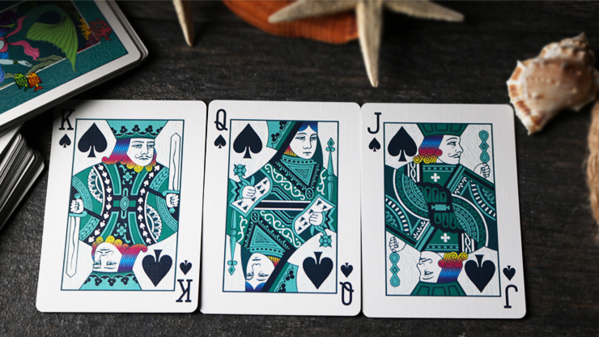 Deck comes with royalty cards in turquoise aqua color.