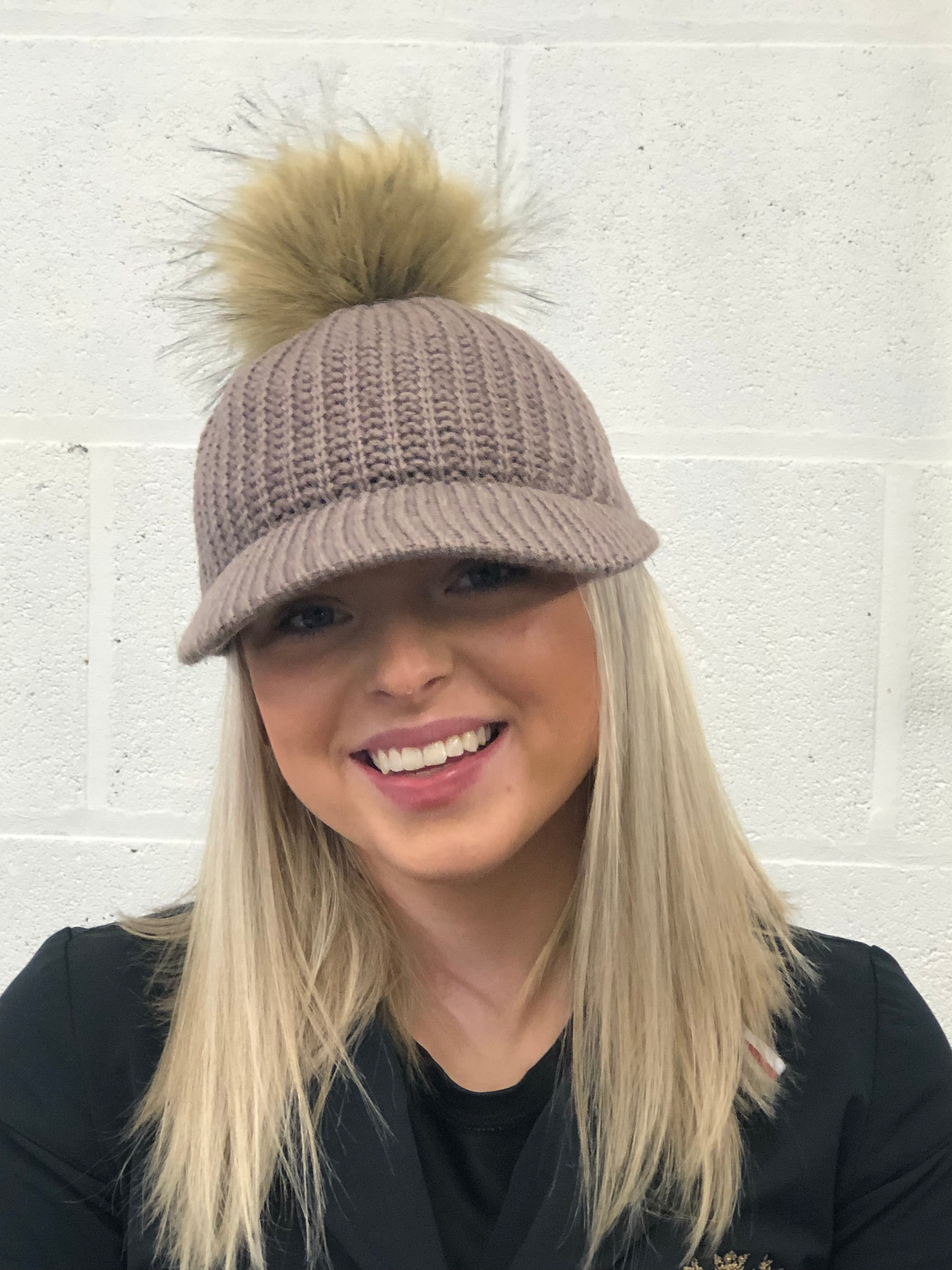 Natural knitted cap with faux fur Pom Pom