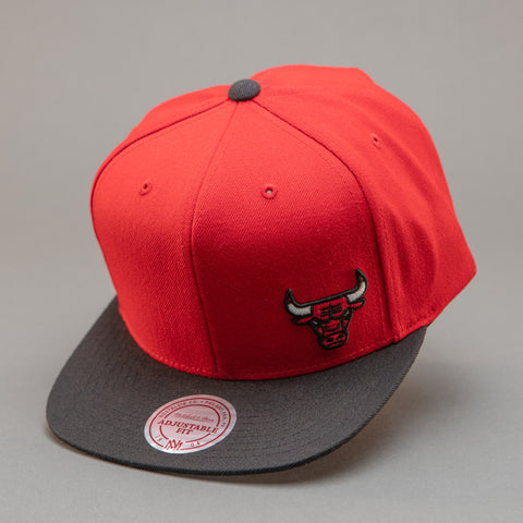 Chicago Bulls Mini Logo Snapback Hat