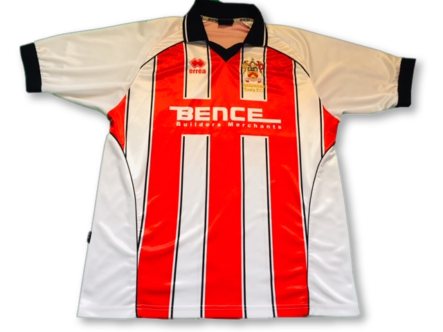 white & red errea Cheltenham Town 2004-06 Home football Shirt