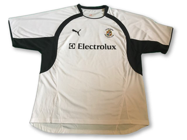 white puma Luton Town 2007-08 Home football Shirt
