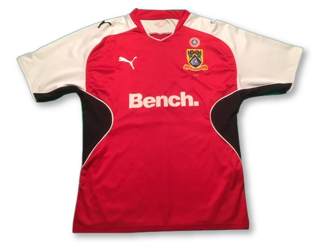 red puma Morecambe 2009-10 Home football Shirt