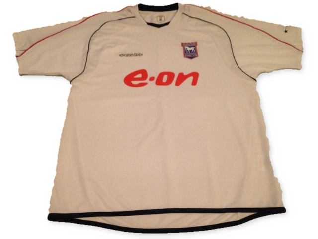 white punch Ipswich Town 2006-08 Away football Shirt