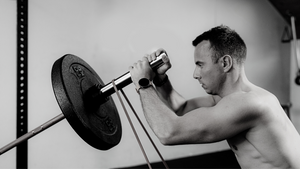 How to Increase Strength & Size Using Resistance Bands on Major Lifts