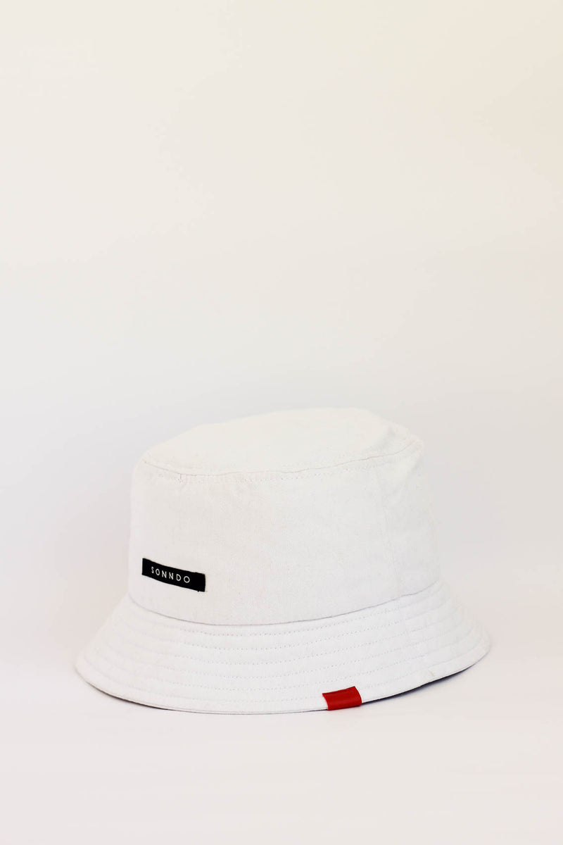 Bucket hat blanco