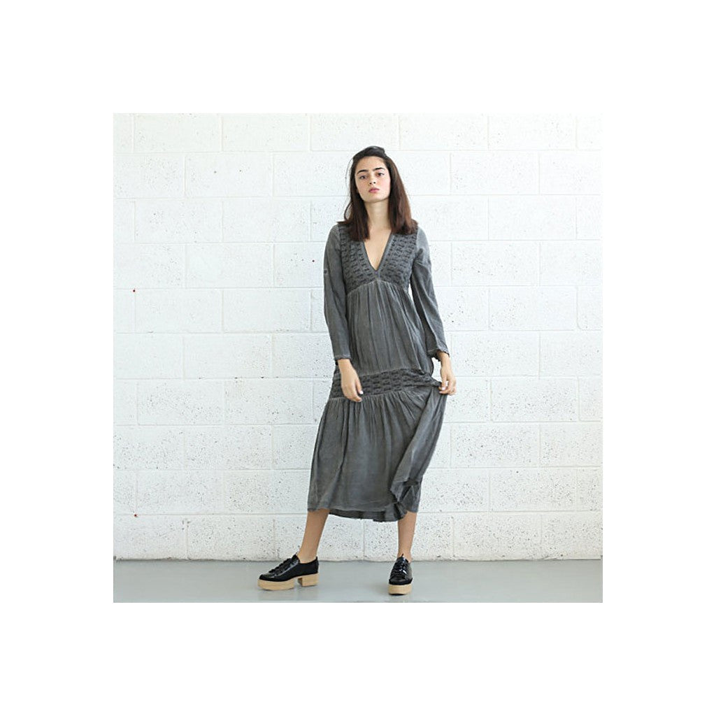 V-Neck Boho Dress, Gray. - Maison du Roi - 3