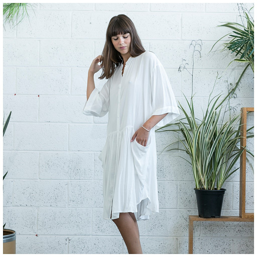 Oversized Buttoned Shirt Dress,Dropped Waist Shirt Dress, White. - Maison du Roi - 4