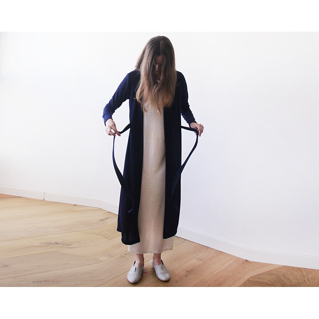 Dark blue maxi knit autumn coat, Knitted maxi blue cardigan with pockets - Maison du Roi - 3