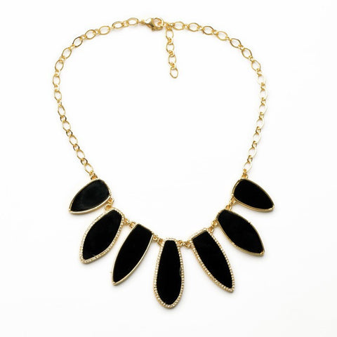 Alyson Necklace in black