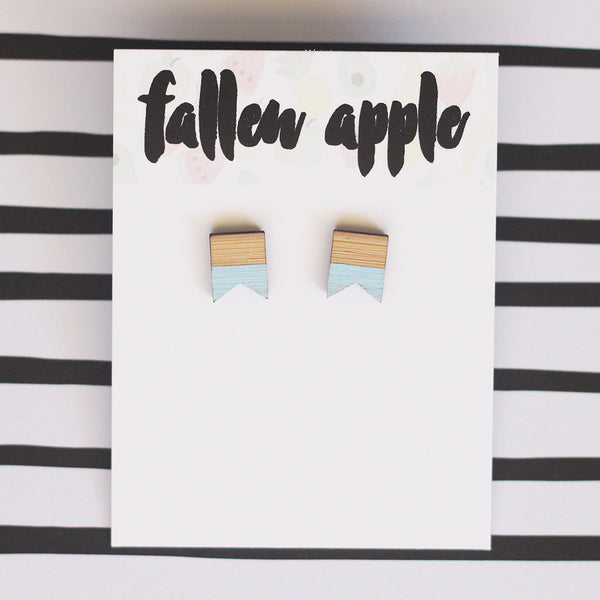 Bunting studs // dipped