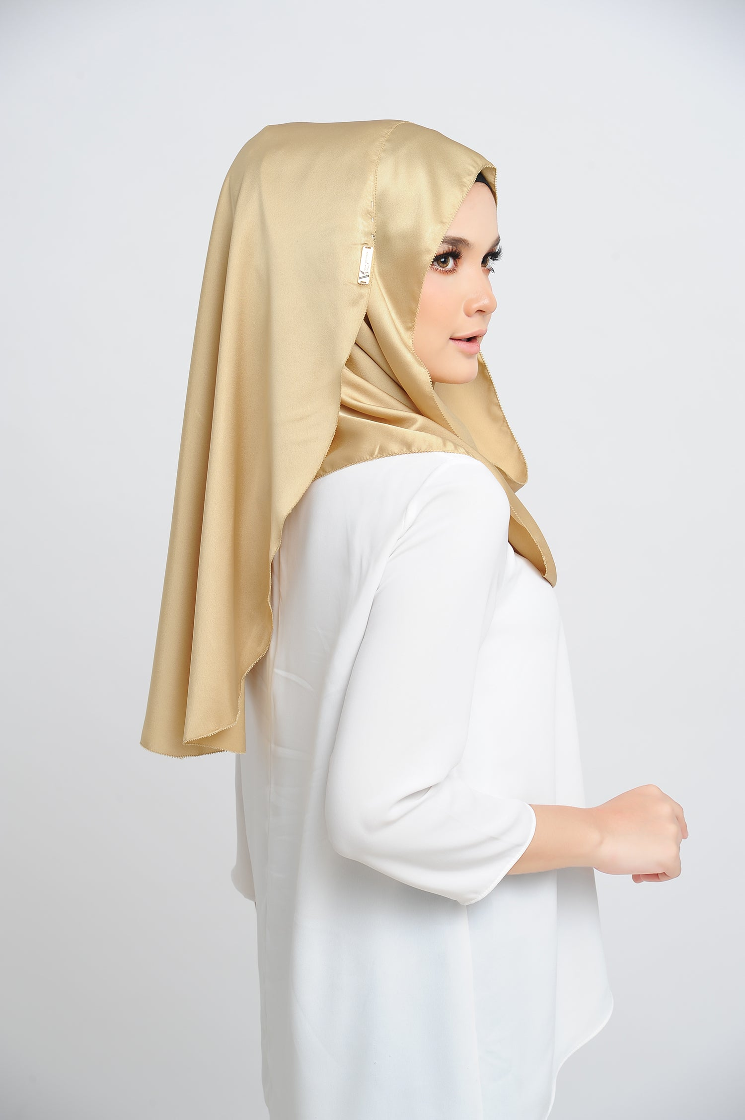 Aisha Satin Oval Shawl Golden Flakes Small Picot