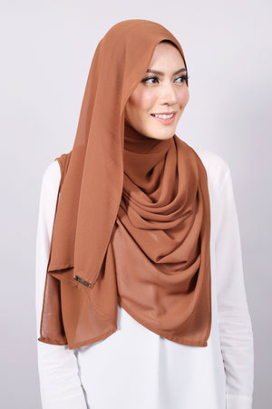 Plain Machine Rolled Shawl in Toffee