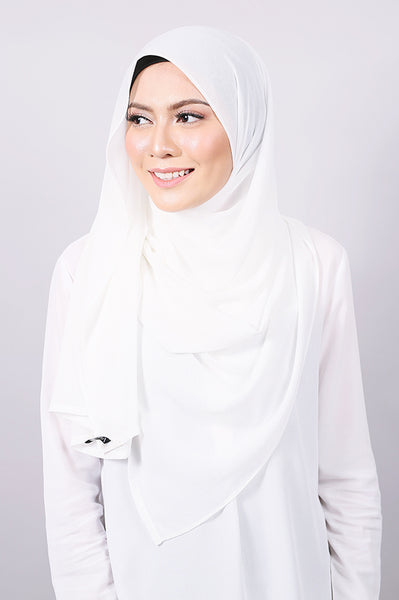 Plain Machine Rolled Shawl in Star White