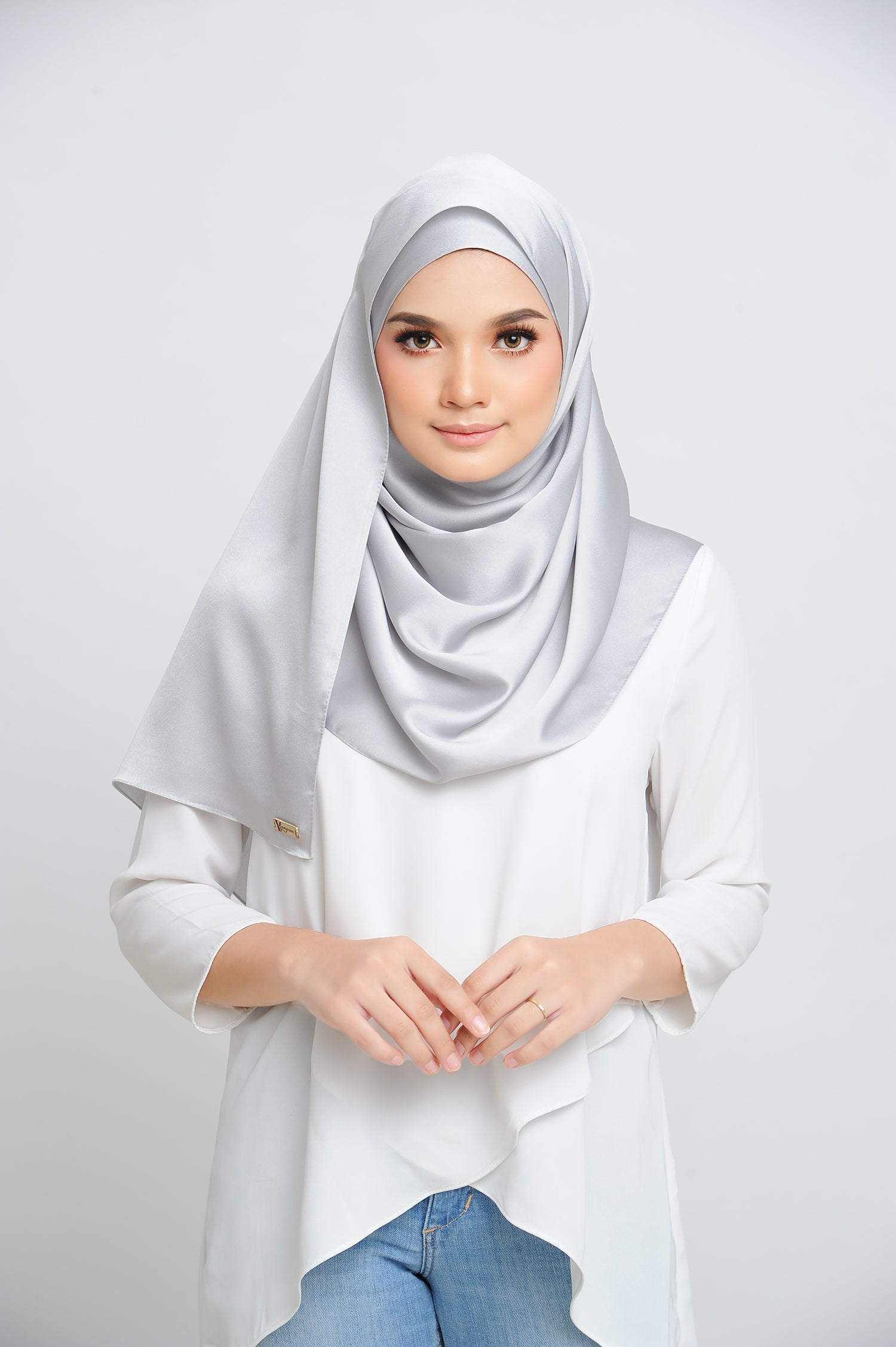 Aisha Satin Rectangle Shawl Platinum Small Machine Rolled
