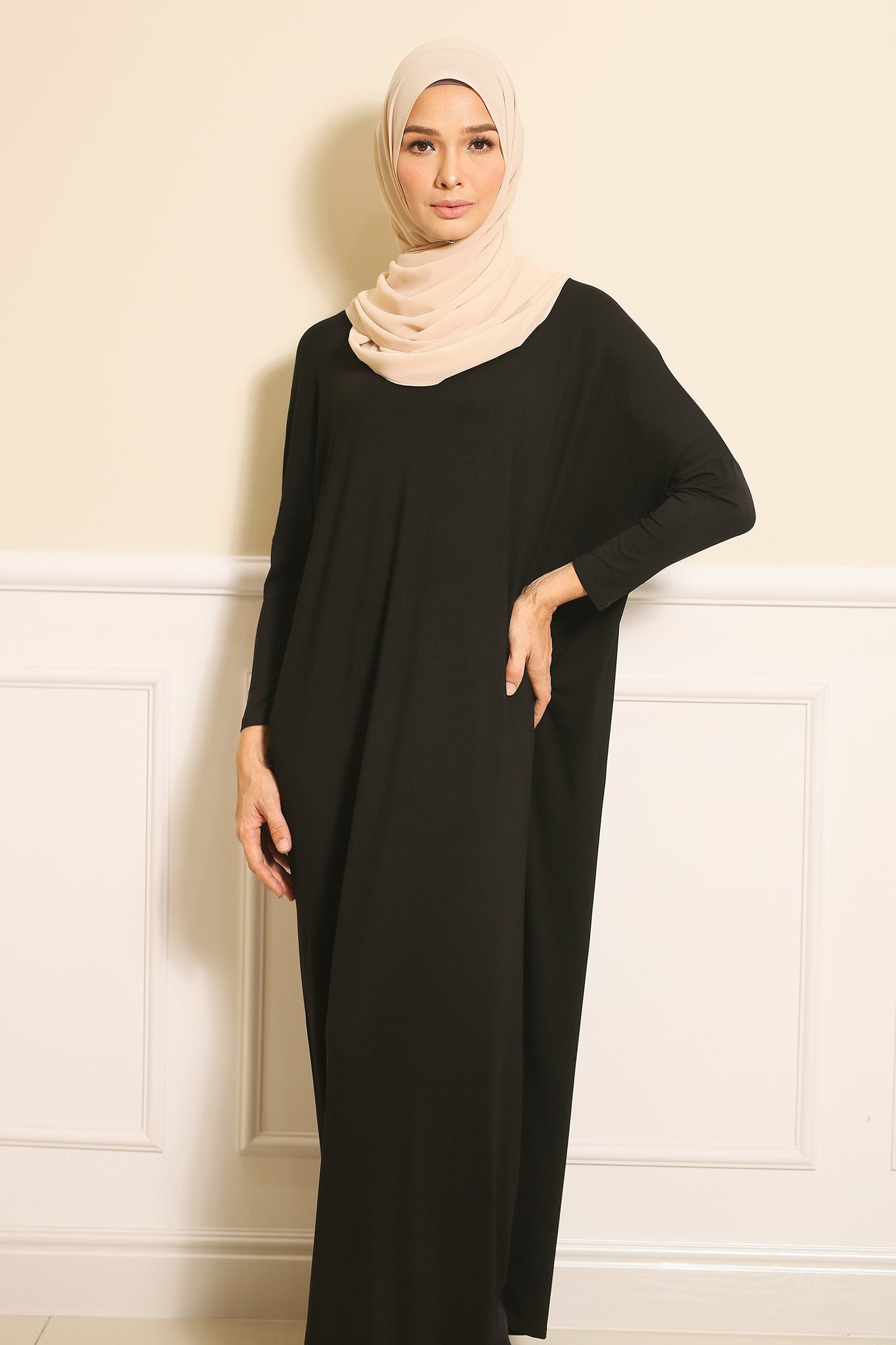 Basic Batwing Dress in Black