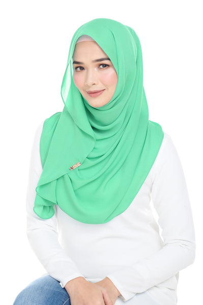 Essential Scarf Shimmering Series in Peas Green