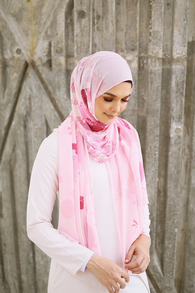 Fleur Shawl in Blushing Bride